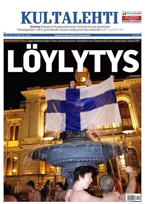 """""""Löylytys"""", otsikoi Aamulehti etusivullaan 16.5.2011. Lehti ilmestyi poikkeuksellisesti nimellä """"Kultalehti""""."""
