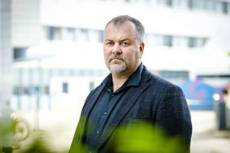 Rikosylikomisario Sakari Tuominen aloitti kesäkuun alusta keskitetyn ja paljastavan tutkintayksikön yksikönjohtajana Sisä-Suomen poliisissa. Sijaisuus kestää vuoden 2023 maaliskuun loppuun saakka.