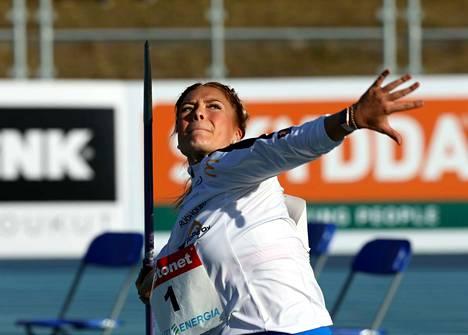 Rauman Urheilijoita edustava keihäänheittäjä Julia Valtanen heitti Lahdessa 56,14 metrin kaaren ja oli naisten keihään toinen.