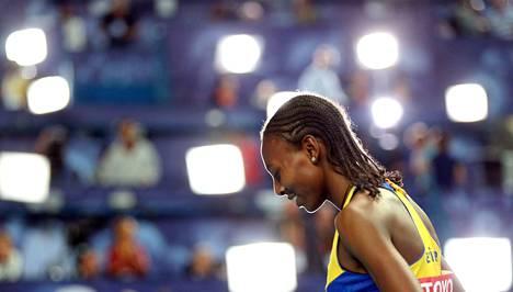 Abeba Aregawi on elänyt vuosia varjoissa, mutta Ruotsissa spekuloidaan yhä MM-kultamitalistin paluulla.
