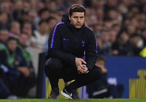 Tottenhamin päävalmentajan Mauricio Pochettinon mielestä on väärin, ettei Ajax joudu pelaamaan viikonloppuna liigaottelua.