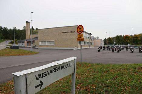 Raision Vaisaaren koulu.