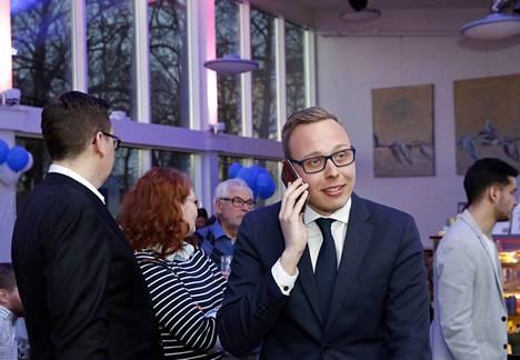 Matias Marttinen käytti vaalikampanjaansa omia varoja yhteensä 15500 euroa.