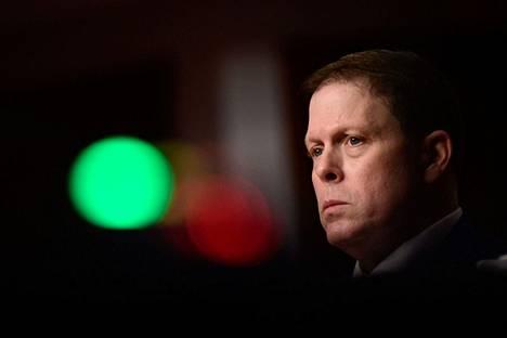 Yhdysvaltain senaatissa järjestettiin tiistaina ensimmäinen kuuleminen turvallisuuspuutteista, jotka johtivat mielenosoittajien pääsyyn kongressiin. Kongressin entinen poliisipäällikkö Steven Sund vastasi syytteisiin.