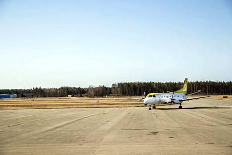 Mikäli kaupunginjohtaja Aino-Maija Luukkosen suunnitelmat toteutuvat, Porista lennetään elokuusta alkaen säännöllisesti Helsinkiin.