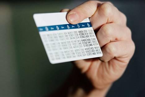 Vuodenvaihteen jälkeen pienissäkin verkko-ostoksissa voi tarvita pankkitunnuksia.