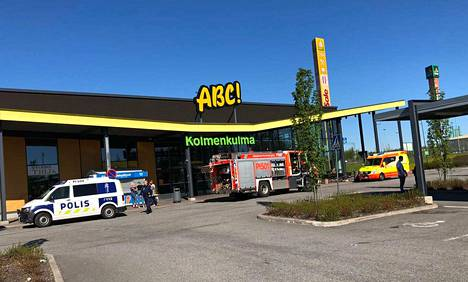 Kolmenkulman ABC jouduttiin tyhjentämään asiakkaista lauantaina aamupäivällä.