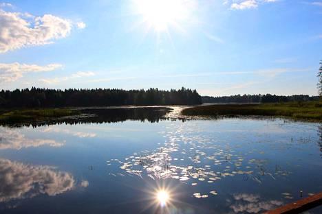 Otamoilta aukeaa kaunis näkymä Isojärven suuntaan.