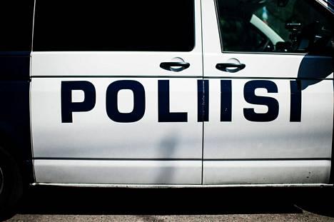 Yksi Porin vappuna ilmenneisiin lakkayliannostuksiin liittyvä henkilö oli poliisin pidättämänä jonkin aikaa. Kuvituskuva.