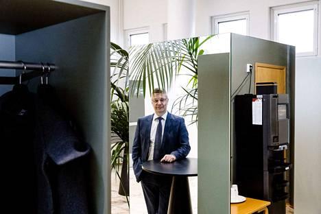 Kenraaliluutnantti Ilkka Laitinen on jäänyt työkyvyttömyyseläkkeelle vakavan sairauden vuoksi. Arkistokuva.