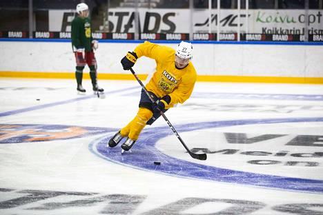 Ruotsalainen takoi viime kaudella Ilveksessä 21+21=42 tehopistettä runkosarjassa ja pudotuspeleissäkin 2+5=7.