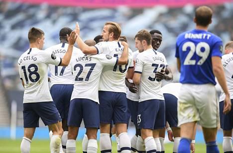 Tottenham murjoi Leicesterin.