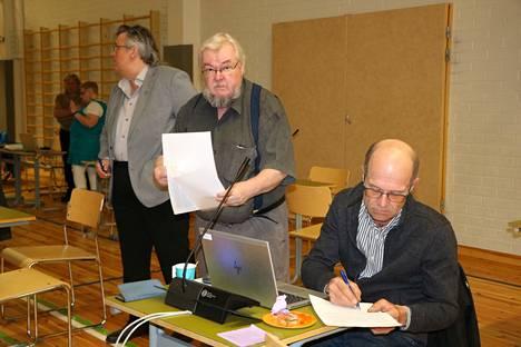 Pekka Kataja ja Jouni Kotiaho ovat mukana uudella valtuustokaudella.