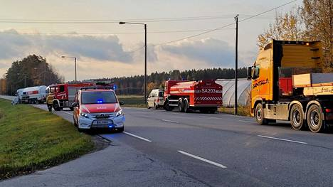 Rajussa kolarissa oli osallisena henkilöauto ja säiliöauto.