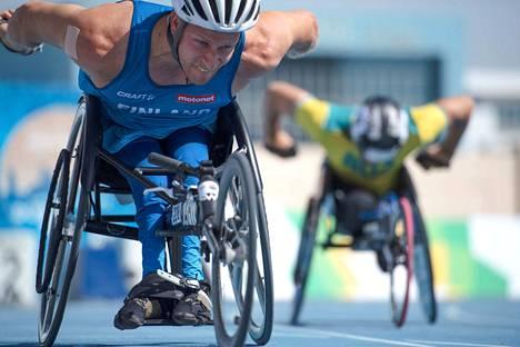 Neljännen maailmanmestaruutensa 100 metrillä kelanneella Leo-Pekka Tähdellä on edessään lyhyt loma.