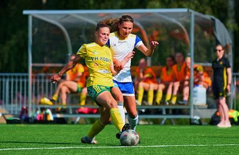 Pessia Purhosen keltapaidat hallitsivat naisten Ykkösen kamppailua Kaupissa kaataen Emmi Mäkisen EBK:n selvin luvuin.