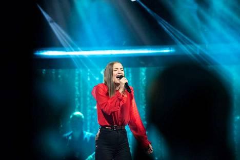 Helmi Pitkänen aikoo kehittää itseään laulajana, mutta ensi vuonna hän ei todennäköisesti osallistu The Voice of Finland -ohjelmaan.