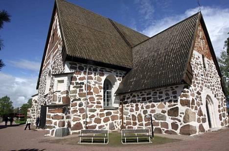 Ulvila on nimeään myöden Olavin kaupunki. Nykyinen Ulvilan Pyhän Olavin kivikirkko on ainoa Ulvilan keskiajalta säilynyt rakennus. Kirkon tarkkaa rakennusvuotta ei tiedetä, mutta varhaisin tulkinta ajoittuu vuoteen 1332.