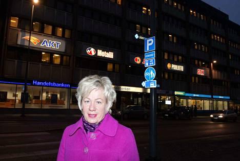 Postin toimihenkilöiden valtakunnallinen pääluottamusmies Mirja Sandberg kuvaa tunnelmia raskaiksi. Arkistokuva.