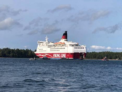 Viking Linen Amorella-alus ajoi syyskuussa karille. Alus jäi keulastaan kiinni pohjaan Järsön saaren edustan matalikolla Ahvenanmaan saaristossa.