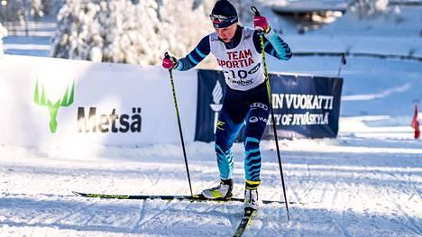 Josefiina Böök tarjosi Pyhäjärven SM-kisoissa positiivissävytteisimmän tuloksen, kun hän sijoittui perinteisen hiihtotavan sprinttikilpailussa viidenneksi.