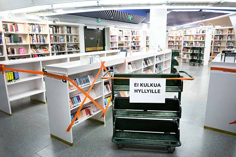 Koronaepidemian vuoksi suljettu pääkirjasto Metso avautui kesäkuun alussa vasta osittain. Heinäkuun lopussa kirjastot toimivat Tampereella jo lähes normaalisti.