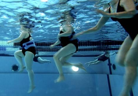 Tekstaripalstalla nostetaan esille Porin keskustan uimahallissa esiintyvä asiaton kommentointi ylipainoisia uimareita kohtaan.