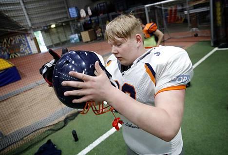 Olaus Alinen himoitsee amerikkalaisen jalkapalloilun terävimmälle huipulle.