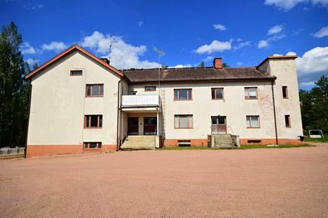 Entinen terveystalo rakennettiin aikoinaan ruotsalaisten lahjoittamilla varoilla sodan jälkeen 19´52. Nyt rakennus etsii uutta käyttötarkoitusta uuden omistajan nimissä.