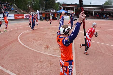 Kankaanpään Mailan oli määrä pelata Superpesiksen kotiavaus sunnuntaina 6. kesäkuuta Sotkamon Jymyä vastaan. Joukkue pelaa sunnuntaina Jymyä vastaan, mutta ottelu siirrettiin Sotkamoon Satakunnan yleisörajoitusten vuoksi.