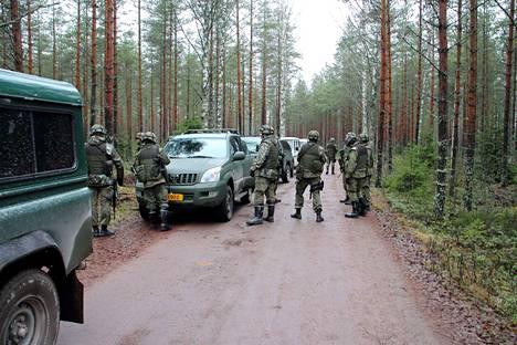 Pori20 paikallispuolustusharjoituksessa harjoitellaan sotilaallisten asioiden lisäksi myös viranomaisyhteistyötä. Arkistokuva.