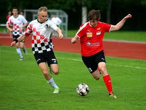 Ville Peltonen laukoi Pyryn punapaitojen maalin Apasseja vastaan.