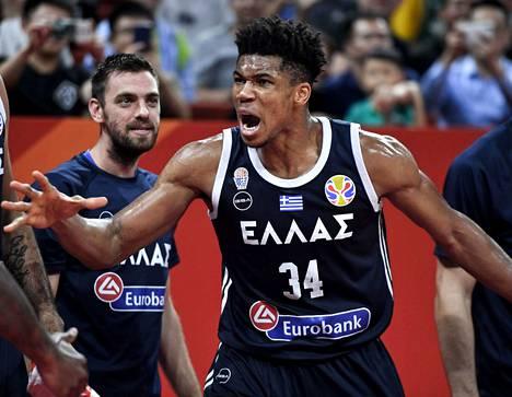 Viime kaudella NBA:n arvokkaimmaksi pelaajaksi valittu Giannis Antetokounmpo jäi Kreikan maajoukkueen mukana koripallon MM-turnauksen jatkolohkovaiheeseen.