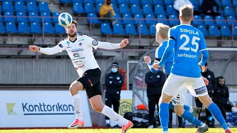 John Frederiksen edustaa Färsaaria syyskuun maaotteluissa.