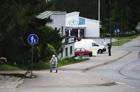 Pohjois-Satakunnassa mietitään taas kuntaliitoksia. Arkistokuva Honkajoen kylänraitilta.