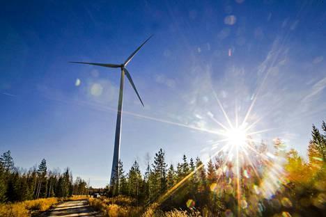 Energia- ja ympäristöpolitiikan professori Johannes Urpelainen uskoo, että pohjoismaiden yhteisellä sähkömarkkinalla Nordpoolilla on tulevaisuudessa vielä isompi rooli, kun puhtaan aurinko- ja tuulivoiman merkitys kasvaa.