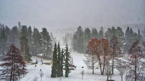 Jorma Soininen on ottanut kuvan lumipyrystä Keuruulla 31. maaliskuuta 2020.