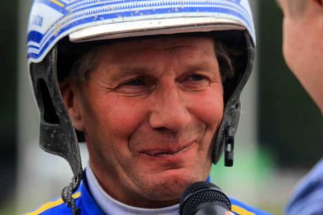 Jorma Kontio ohjasti MAS Capacityn laukalta voittoon Solvallassa.