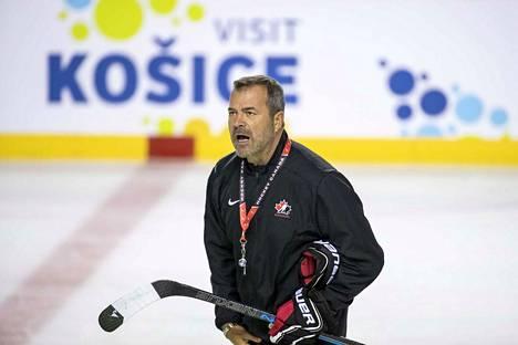 Alain Vigneault piiskaa Kanadan hurjaa MM-ryhmää Slovakiassa.