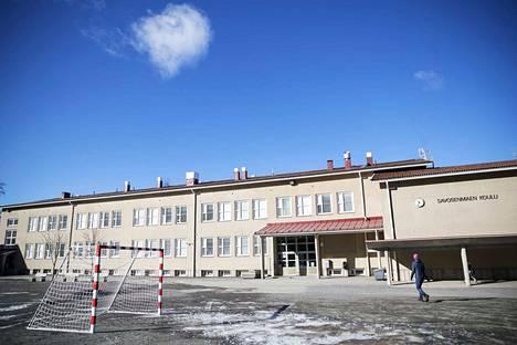 Savosenmäen koulu Mäntässä palaa ensimmäisenä osittain etäopetukseen.