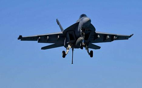 Yhdysvaltojen laivaston F/A-18E Super Hornet -hävittäjä on pudonnut Kuolemanlaaksossa Kaliforniassa.