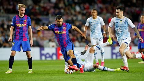 Barcelona avasi jalkapallon Mestarien liigan voittosaldonsa Kiovan Dynamoa vastaan.