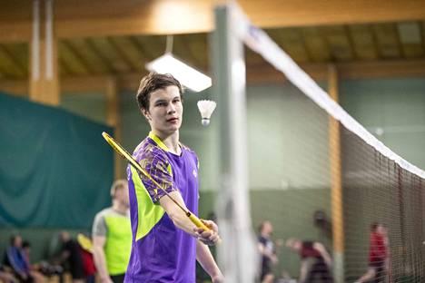 Tommi Ruoho otti kultaa nelinpelistä ja hopeaa kaksinpelistä.