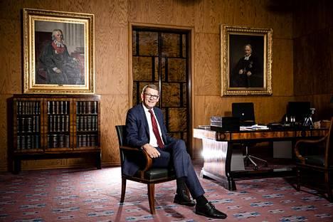 Pääministeriydestä luopuminen vuotta ennen vaaleja oli virheratkaisu, sanoo eduskunnan puhemies Matti Vanhanen.