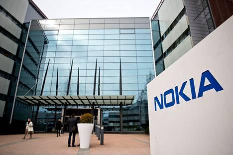 Nokian osake kallistui keskiviikkona poikkeuksellisesti 40 prosenttia New Yorkin pörssissä.