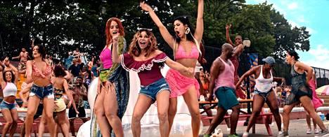 In the Heights -musikaalin tanssikohtauksen ovat vakuuttavia sekä koreografialtaan että kuvaukseltaan.