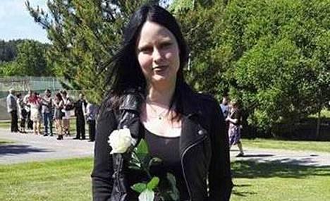 Poliisi kaipaa havaintoja kesäkuun alkupuolella kadonneen Milla Arosen liikkeistä.