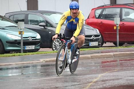 Syysetappien puuhamies Jyrki Lepistö ehti viime vuonna itsekin pyörän satulaan prologiajossa. Tämän vuoden tapahtumaan Lepistö toivoo parempaa säätä.