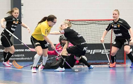 PSS:n Ella Holmberg (18) keräsi keskiviikkona tehot 2+1. Kova toisesta välieräkamppailusta.