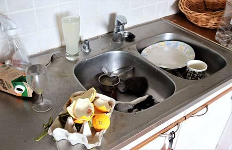 Kotihoidon siivouspalvelussa on määrä laskea tulorajoja ja kannustaa kotitalousvähennyksen käyttöön.